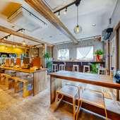 伝統の味を守りつつ、名代のラーメン屋がカフェテラスに大変身