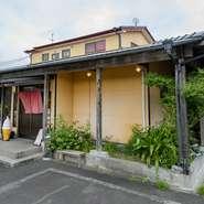 宮崎市有田、杜運動公園近くの幹線道路沿いにある【ファミリー処 まん風】は、赤ちゃんからお年寄りまで家族みんなで楽しめる和食店。丁寧に手づくりした質の高い和食を、リーズナブルな価格で味わえます。