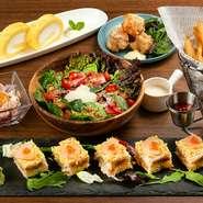 料理のみならず、食器や映えるような盛り方にこだわり、見た目でも楽しませてくれるのがうれしいところ。食器があえて見えるように、飾られているのもポイントです。
