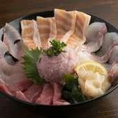 大人気 <海鮮丼>五種丼