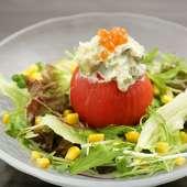 カニとアボカドのトマトサラダ