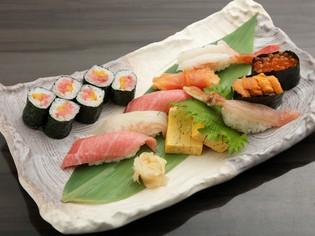 贅沢な海の幸を堪能。四季折々の魚介を使った『握り寿司』