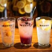 ソムリエが自ら漬け込むオリジナル酒もスパイスのひとつ
