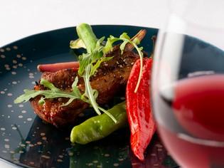 『糸島美豚スペアリブのオーブン焼き 季節野菜のロースト』