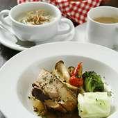 日替わりランチ1200円。豚バラ肉のトロトロ煮、スープなど