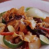 柔らかな貝の食感を生かした「ニシ貝と野菜のステーキ」980円