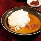 カレーライス800円は開店当時から人気