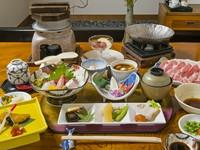 春・夏・秋・冬に合わせ、おいしい食材を使った料理が10品以上楽しめるおすすめメニュー。