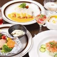 メニュー ザクロソーダ・ぺティトマトのコンポート・サーモンとアボカドのタルタル・カボチャのクリーミースープ・旬の魚といろいろ野菜のホイル焼き・国産鶏胸肉のロースト・サラダ・デザート盛り合わせ・ドリンク