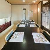カウンターで大将が握るお寿司を目の前で