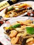 あらびきにした豚肉とにんにくの香りがクセになる台湾風のピリ辛チャーハン。