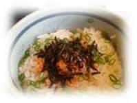梅昆布・明太子・たこわさ・鮭の4種類から選べます。