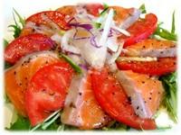 サーモンの旨みとトマトの酸味がマッチして絶品な味わいです。