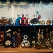 珍しいメキシコのビールが10種類以上。プレミアムテキーラは100種類以上。 日本未輸入の品も多くあります