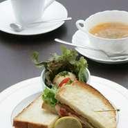 本日のスープ、ドリンク(珈琲、または紅茶)セット