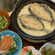 和をベースとした創作料理に自信があります。特に、富士山麓の新鮮な鱒を使い、契約農家さんの有機米で炊き込んだ炊き込みご飯『富士まぶし』はぜひ食べて頂きたい一品です。
