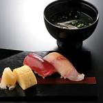 ~一番人気の寿司コースを飲み放題に~  その他飲み放題飲み物:日本酒・焼酎・ワイン・   ウーロン茶・オレンジジュース