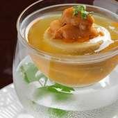 ウニプリン入り冷製コンソメスープ