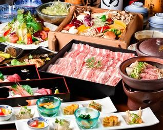 牛タン、糸島豚など食材重視の特別会席。2時間の飲み放題付き。生ビールも飲み放題。