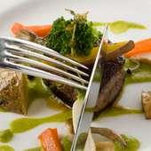 牛フィレ肉のステーキ ソースプティポア