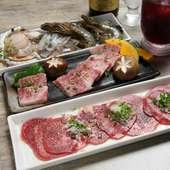 石ホルはホルモン以外の肉ももちろん充実。海鮮焼きも大人気。