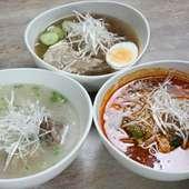 〆のメニューも品揃え豊富。冷麺はもちろんスープ類もおいしい。