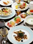 本日の3種前菜/本日のスープ/選べる料理/パン/肉料理or魚料理/ドルチェ盛合せ/ソフトドリンク