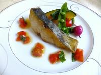 漁港より仕入れた魚は個数限定です。