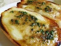 チーズとアンチョビの組み合わせが絶妙です。