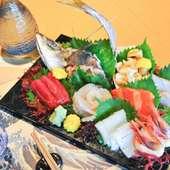 新鮮海の幸をお供に乾杯!ワインも日本酒もすすみます・・・