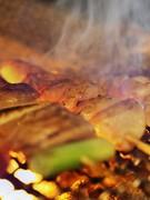 炭火でじっくりと焼き上げます。