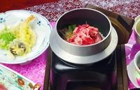 松阪牛しぐれ煮、お造り、炊合せ、天ぷら(松阪牛の天ぷらを含む)、 松阪牛の釜飯、赤出汁、香の物、デザート