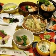 内容は、お料理は3000円(税込3150円)~5000円(税込5250円)コース料理となります。2~80名様まで対応できる個室がご用意しております