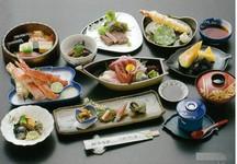 大切な人と食べたい大満足の人気コース。御宴会、御法要、接待、結納などで好評いただいております