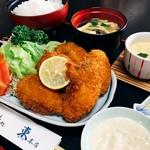 大ぶりのエビと野菜2品の天ぷらがお楽しみいただけます。 揚げたてサクサクのまま頂くもよし、出汁に浸してホロホロにして頂くもよし、楽しんでお召しあがり下さい。