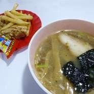 キッズラーメン・鶏唐・ポテト・お菓子 飲み放題のドリンク付(お子様に限り)