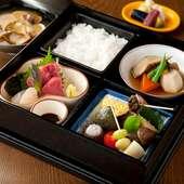 本格日本料理店「季節料理 根本」。豊富なお酒と共にどうぞ