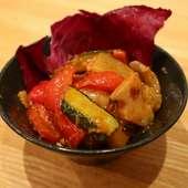 さっぱりと食べられ、前菜にもおすすめ『本日のカルパッチョ』 ※画像は一例。徳島県産石鯛。