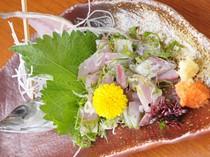 新鮮なお魚もご賞味頂けます。「アジのたたき」