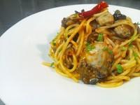 - Spaghetti alla puttanesca con le ostriche -