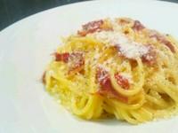 - Spaghetti alla papalina -