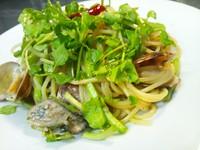 - Spaghetti ostriche e crescione con le vongole al pepe japonese -