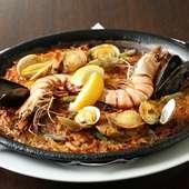 真鯛とロブスターのダシの旨みがあふれる『魚介のパエリア』