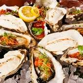 豊かな海の恵みを堪能できる『贅沢に色々なソースで仕上げた全国の牡蠣の盛り合わせ8品』