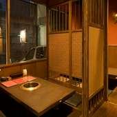 和風の店内は掘り炬燵式、人数に合わせた個室もご用意できます。