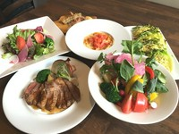 お野菜、お肉、お魚が一度に楽しめる人気No.1コース!フリードリンクも付いてます♪