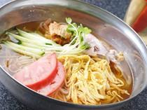 さっぱりとした冷麺は焼肉の〆にもオススメです。