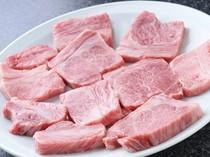 牛肉の旨味たっぷりの上カルビ。