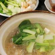 2名様から <内容> ・魚鍋 ・刺身盛り合わせ ・炭火焼き(肉・干物) ・ホタテご飯 ・お漬物盛り合わせ その他、日替わり料理等