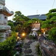 心癒される古き良き日本庭園を眺めながら、ゆっくりとお食事をお楽しみください。